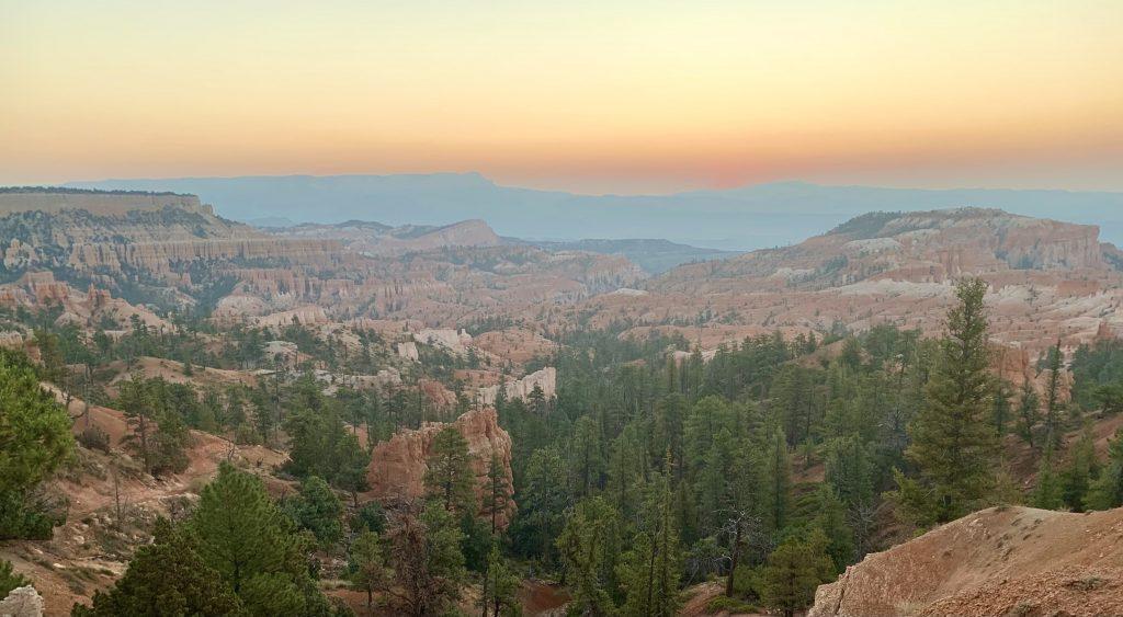 Sunrise at Bryce Canyon National Park, Utah National Parks/Southwest Road Trip